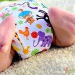 mladenets_v_podguznike