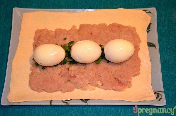Как сделать рулет из фарша и яйца